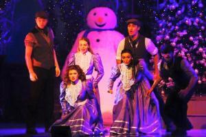 Anna-Cooper-Thursford-Christmas-Spectacular-3